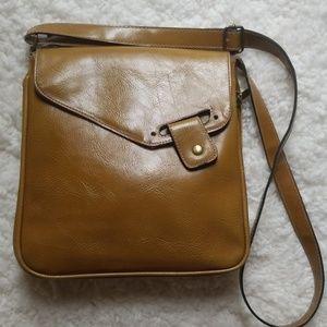 Vintage David Jones crossbody leather bag